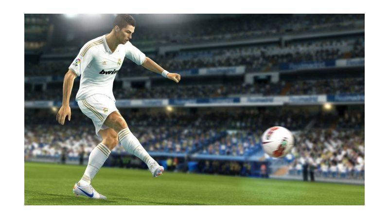 Pro Evolution Soccer 2013 (Русская версия)
