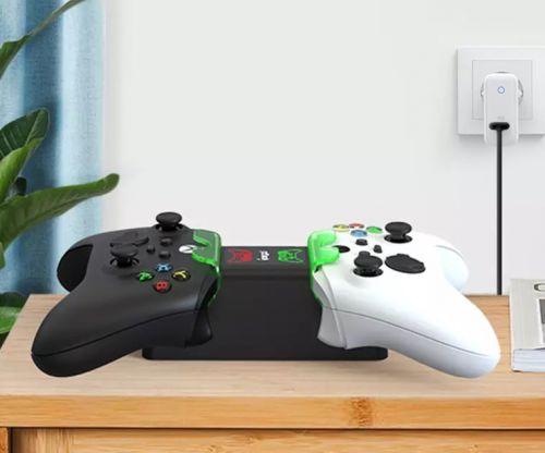 Зарядная станция Charging Kit с двумя аккумуляторами для Xbox Series S X
